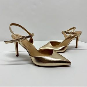 Banana Republic NWT Gold Kitten Heels
